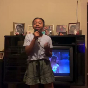 Avery Bell live in Karaoke night
